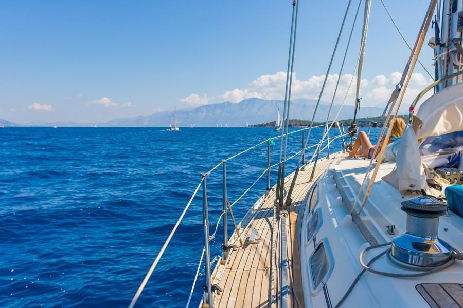 Fixed discounts Bavaria 42 Cruiser Danae